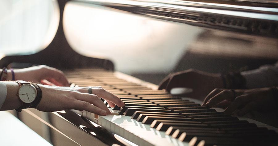 Kan man flytta ett piano utan professionell hjälp?